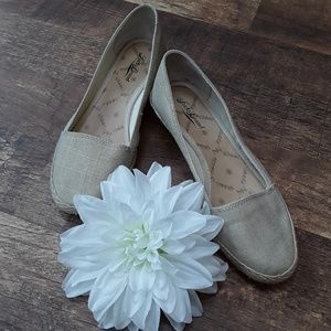 Lucky brand women shoes canvas slip on